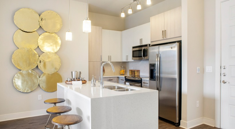 West End Luxury Apartments | Photo Gallery at 555 Ross Avenue