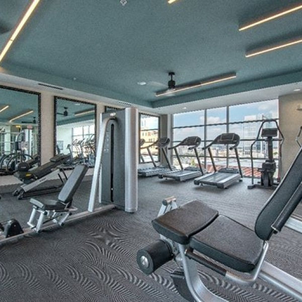 How about workout with Downtown view...check out 555 Ross Avenue fitness center #555rossave #dallasdowntown